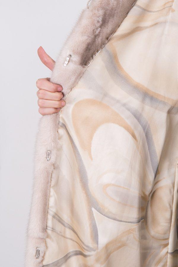 Шуба из скандинавской норки белая,
